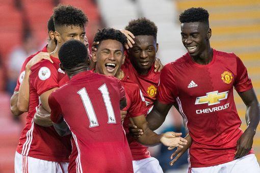 united-celebrate-demi-mitchells-goal-joel-goodman-men