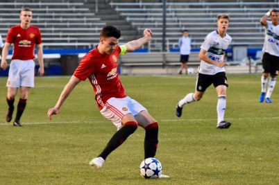 Regan Poole kicking Dallas Cup vs CHivas Photographer Billy Johnston